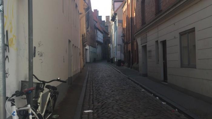 Thumb_IMG_0943_1024 - Empty streets.