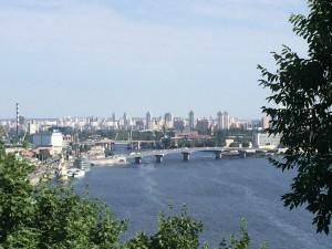 Blick auf Dnepr und Kiew