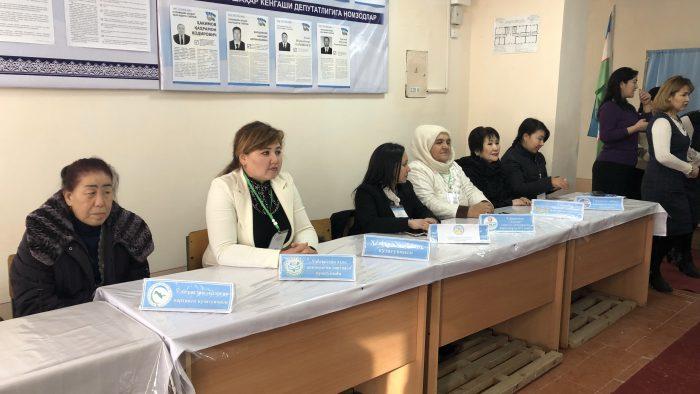 IMG_7826 - Wahlhelferinnen, überwiegend Frauen