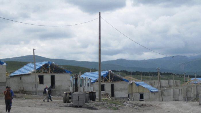 IMG_3093 - Flüchtlingsdörfer entstehen, 2009